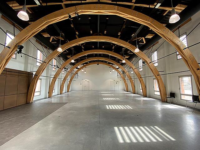 Traitement acoustique du centre culturel DOCK 713 à Digoin avec des panneaux acoustiques DP Acoustique