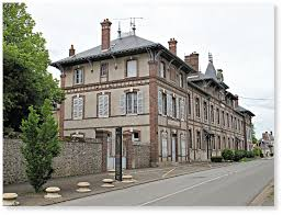 Etablissement scolaire primaire à Brou (Eure et Loir)