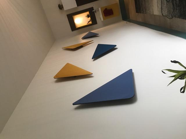 Ecrans acoustiques triangulaires WALL DP Acoustique dans un cabinet médical à Coutances